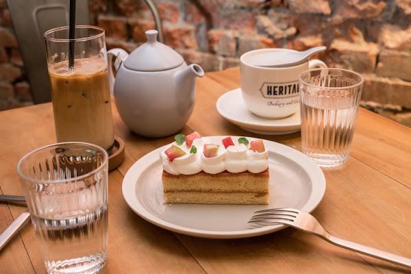 台北車站必吃甜點 heritage bakery & cafe 被譽為神級美味的『紅心芭樂戚風蛋糕』