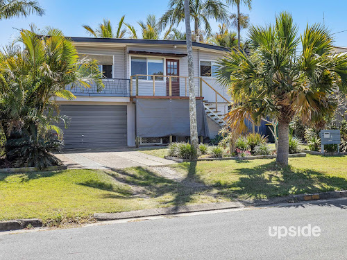Photo of property at 5 Bluegum Avenue, Hollywell 4216