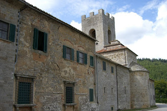 Photo: Castle on the way to Chianti, Italy