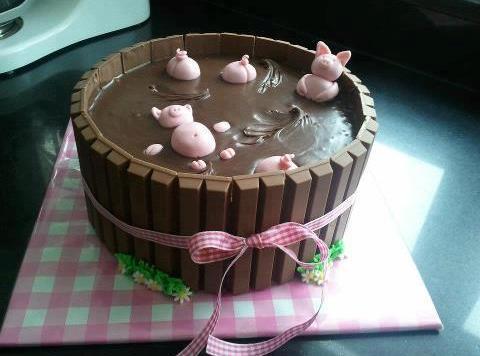 Kit Kat Piggy Swimming Pool Chocolate Cake Recipe