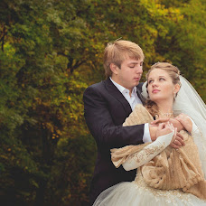Wedding photographer Valentina Koroteeva (MValentina). Photo of 30.10.2013