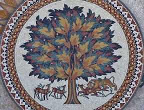 Photo: Beliebtes Motiv: der Lebensbaum