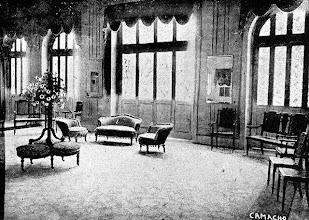 Photo: Outra visão da sala de espera do antigo Teatro D. Pedro, atual Teatro Municipal Paulo Gracindo. Foto sem data