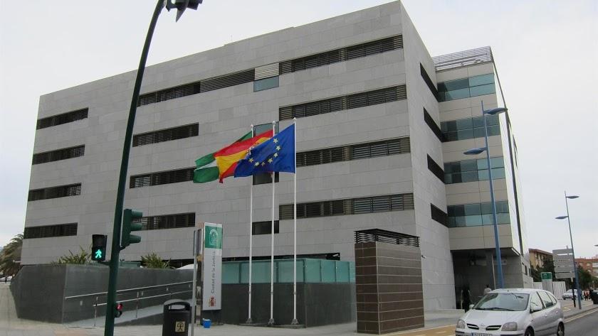 El Juzgado de lo Penal número 5 de Almería ha condenado a dos años de prisión a los dos hombres.