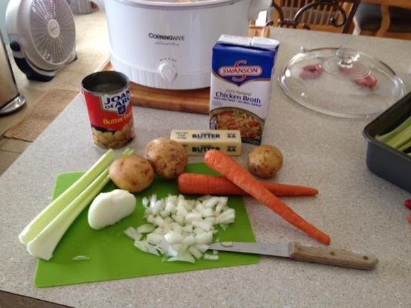 In a slow cooker, mix the cooked bacon, lima beans, butter beans and liquid,...
