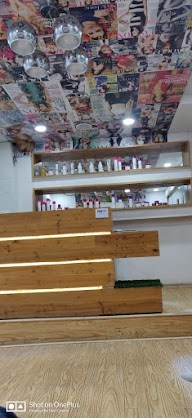 Spinx Unisex Saloon And Spa photo 1