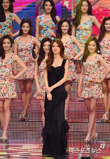 sooyoung gown 30