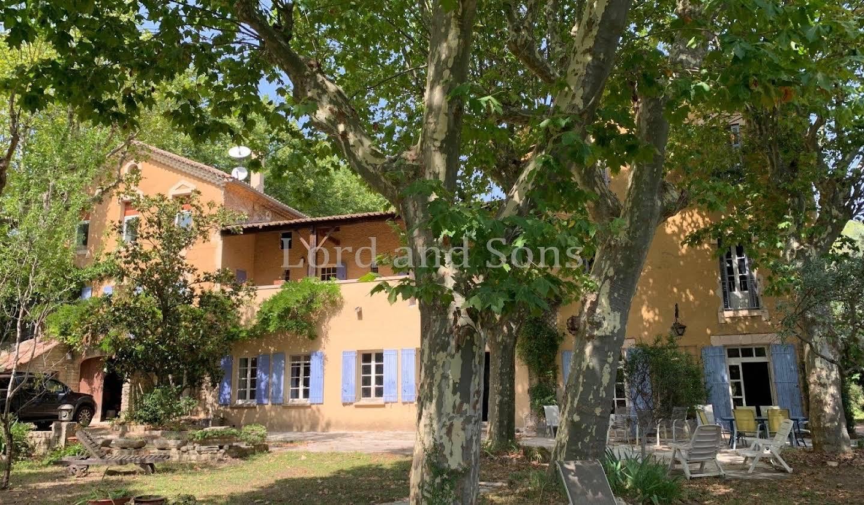Property with garden Beaumes-de-Venise