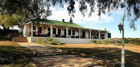 Leeuwenbosch Country House and Shearers Lodge