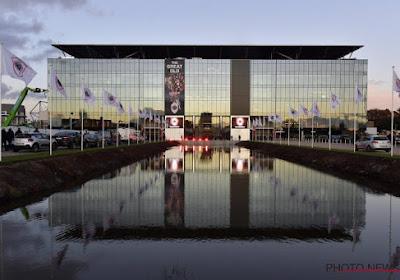 📷 Mooi gebaar van Antwerp: club eert overleden Loes (7) aan Bosuilstadion