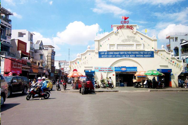 2 chợ đầu mối trái cây nổi tiếng nhất tại Hồ Chí Minh và Hà Nội