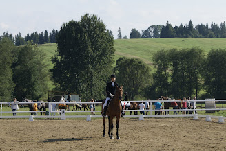 Photo: Patrycja Gruszka na koniu BENELUX