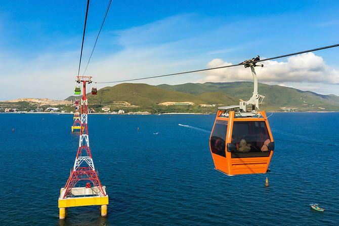 Vinpearl-Land-Nha-Trang-cable-car
