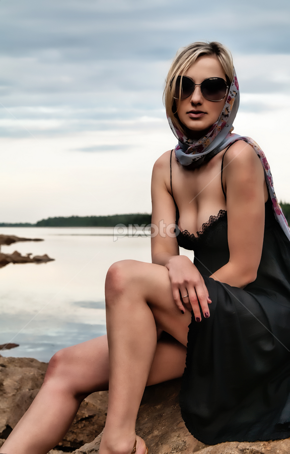 Elena by Isaac Moscovich - People Fashion ( glasses, woman, dress, beach )