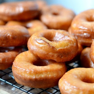 The Pioneer Woman's Homemade Glazed Doughnuts