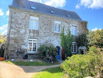 manoir à Carhaix-Plouguer (29)