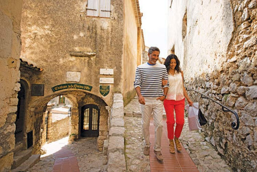 celebrity-private-journeys-france-1.jpg - Celebrity Cruises offers memorable experiences in charming towns in the South of France through its Private Journeys program.