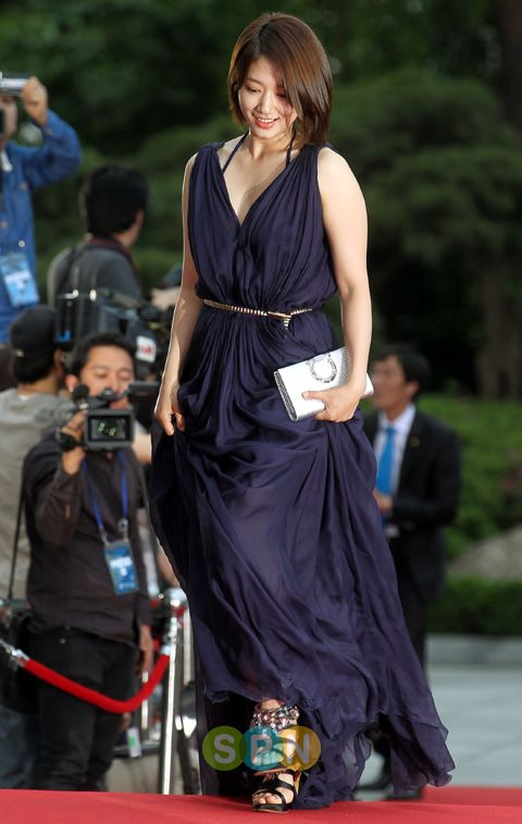 shinhye gown 54