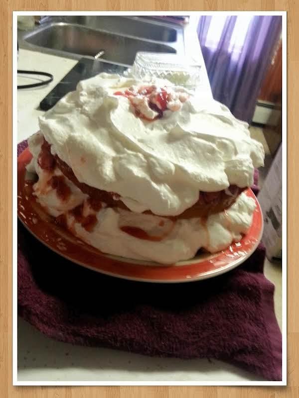 Luscious 2-layer Strawberry Filled Cake Recipe