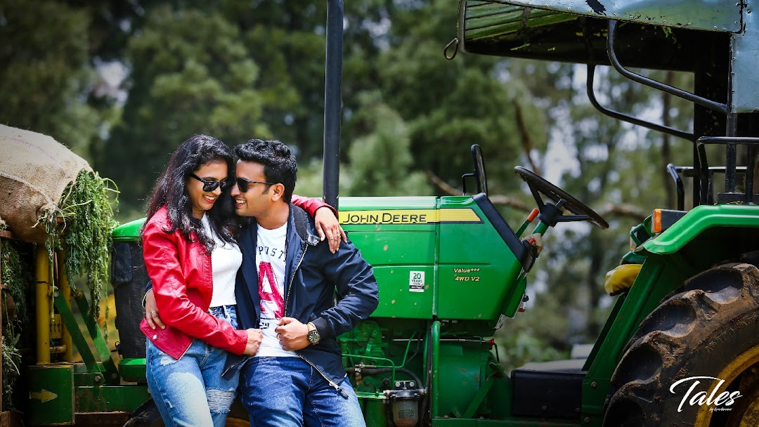 Attractive Candid and Wedding Photographers in Hyderabad