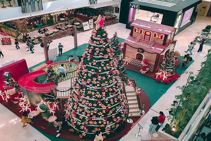 Trang trí Noel trung tâm thương mại cần thiết với nhiều doanh nghiệp