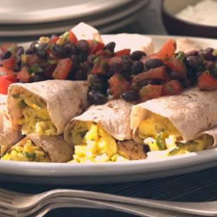 Scrambled Egg Burritos with Black Bean Salsa Recept | Yummly
