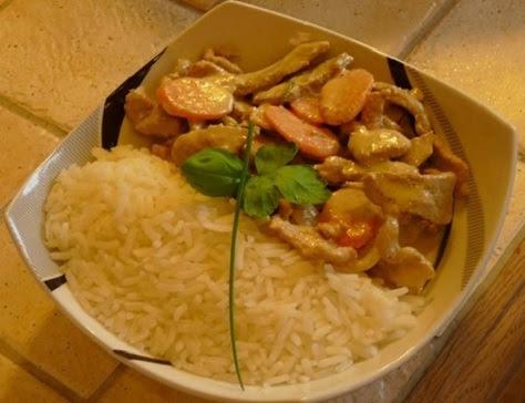 https://sites.google.com/site/cuisinedesdelices/les-viandes/eminces-de-porc-aux-petits-legumes-curry-vert-et-basilic