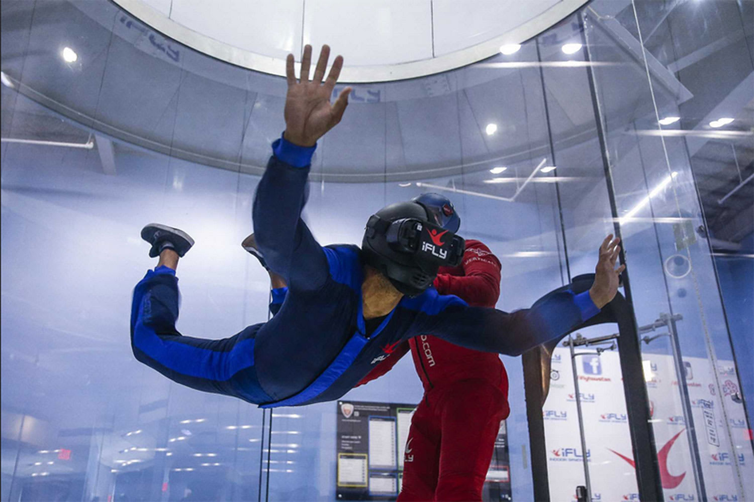 Indoor VR Skydiving