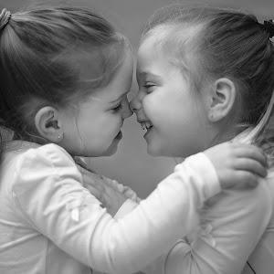 45.5 months girls eskimo kiss.jpg