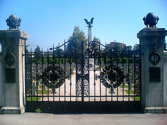 Cimitero italiano a Lubiana Slovenia di BINGA-BONGA