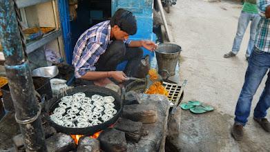 Photo: Eine Spezialität in Indien, verdammt süß...