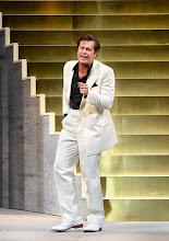 Photo: Theater in der Josefstadt: DER ZERRISSENE von Johann Nestroy. Inszenierung Michael Gampe, Premiere 2.10.2014. Michael Dangl. Foto: Barbara Zeininger