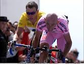 Cassani koopt de fiets van Pantani op een veiling
