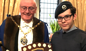 Cdt Jack Taylor presented with award for Best Academic Achievement, Apr 2018