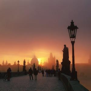 Sunrise at Charles Bridge@0,75x.jpg