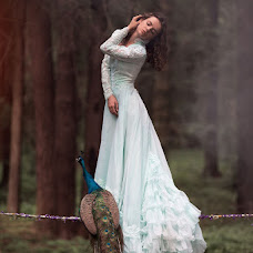 Wedding photographer Elena Bochkareva (v-kadre). Photo of 19.06.2013