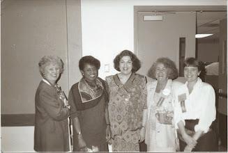 Photo: Sandra Kaplan (Center)