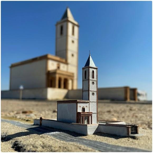 La iglesia de la Salinas de Cabo de Gata en diorama.