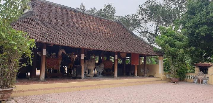 Đình chính đền Hữu, nơi sinh hoạt tâm linh của người dân trên địa bàn