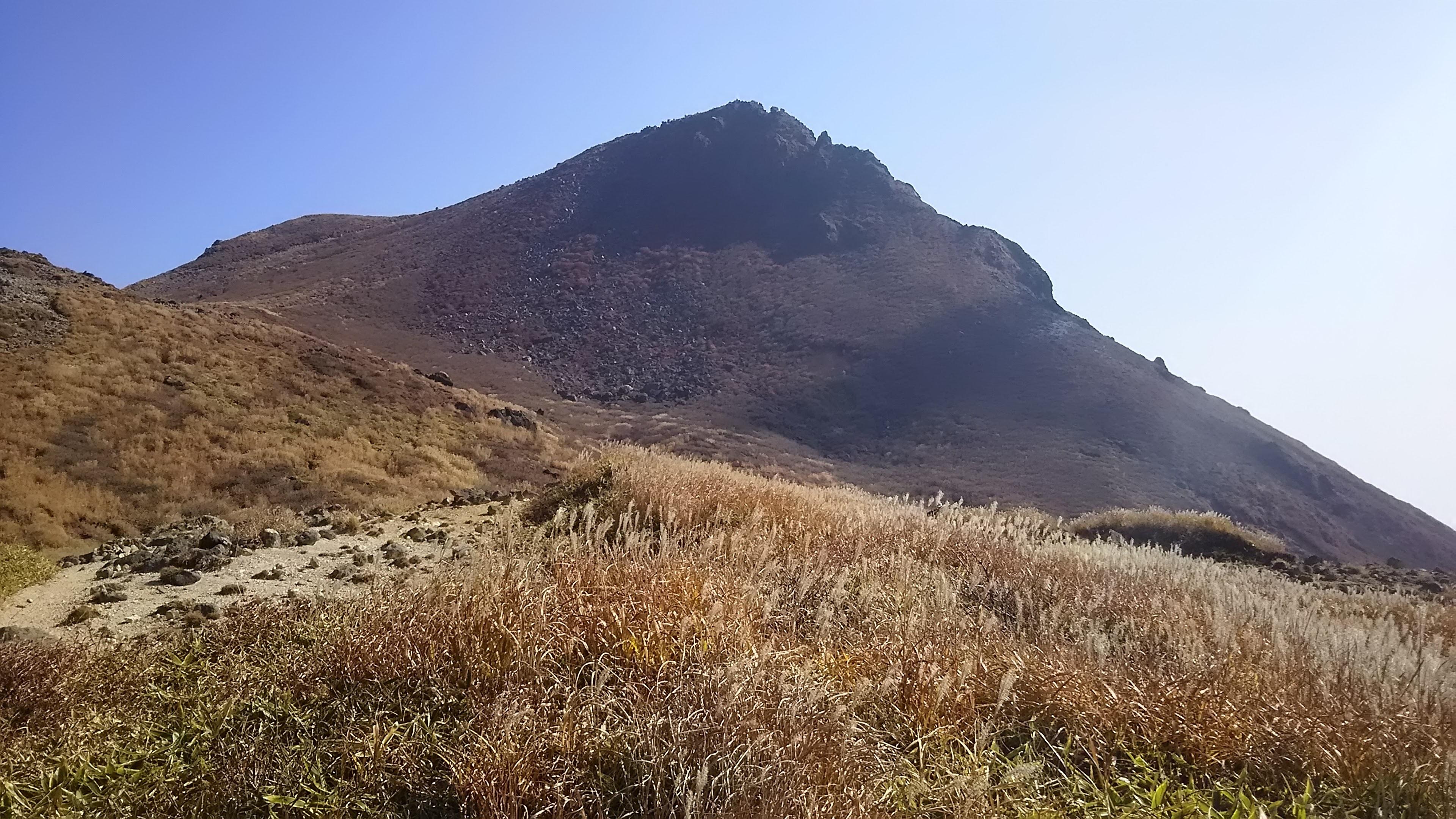 久住山を望む