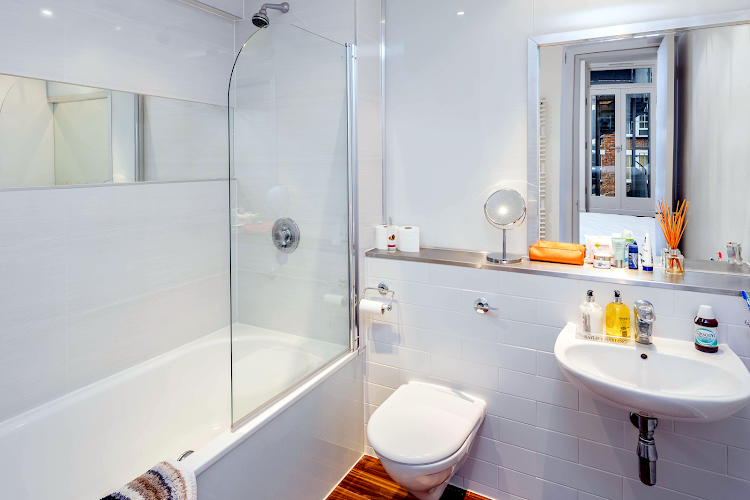 Bathroom at Clerkenwell Deluxe Goswell