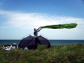 Photo: Az első vihar. A kajakhoz kötöztem a sátrat.