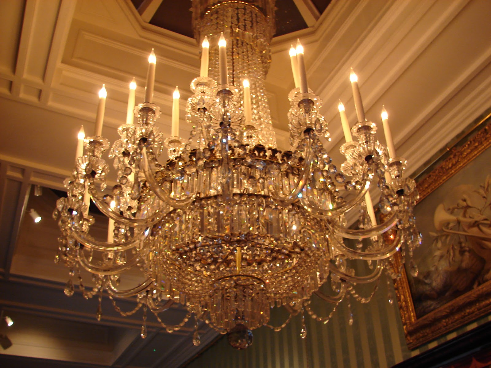 Chandelier_at_Chatsworth_House.jpg