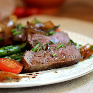 Beef Tenderloin with Roasted Asparagus and Red Onion Vinaigrette