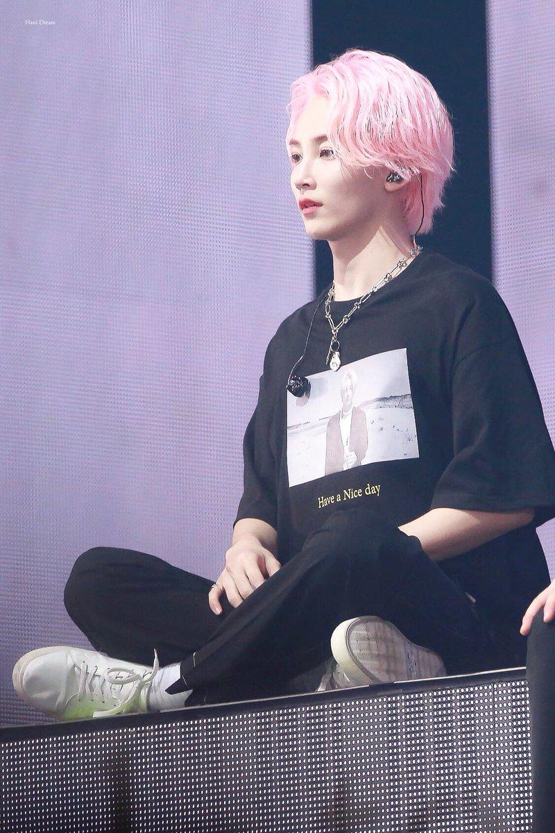 pink jeonghan1
