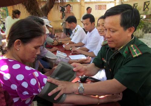 Cư dân Quần đảo Nam Du được khám bệnh miễn phí