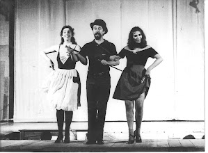 Photo: Alicia Morales-Luis Peirano- Mónica Dominguez  en  La Salsa