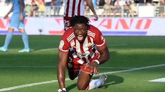 Sekou Gassama y su habitual celebración de los goles.