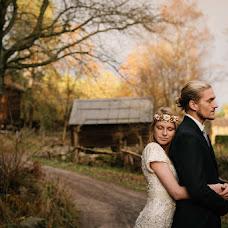 Wedding photographer Christine Korik (korikfotografi). Photo of 10.12.2015