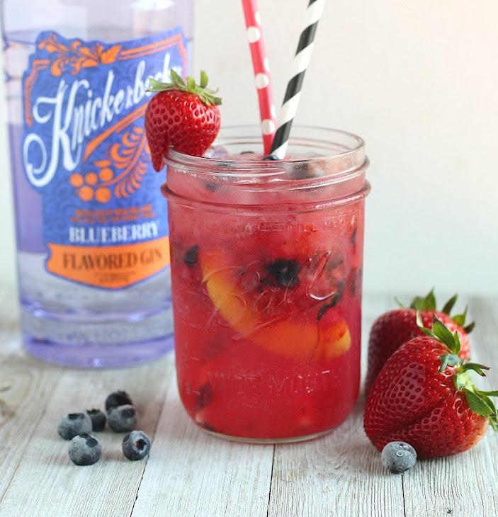 Berry Peach Gin Smash Cocktail Recipe